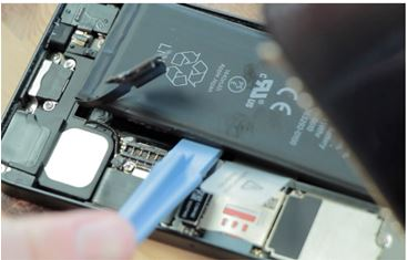 replace iphone battery - step 6