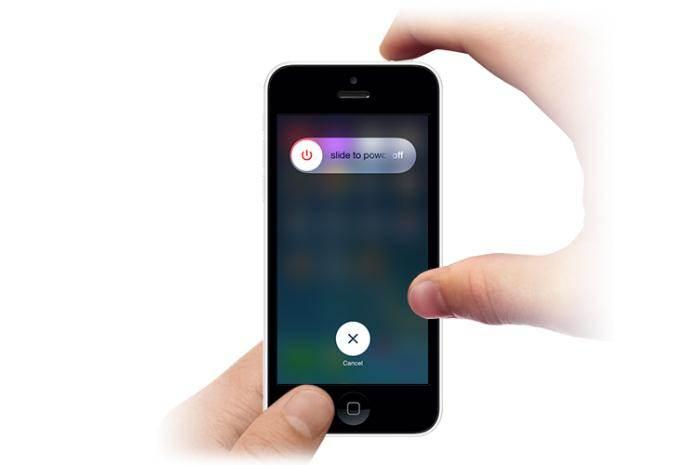 Come Aggiustare un iPhone Bagnato Che è Caduto in Acqua